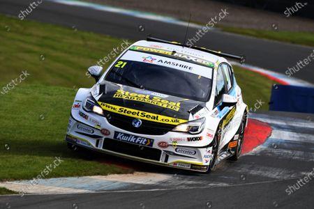 Mike Bushell (GBR) - Power Maxed Racing Vauxhall Astra