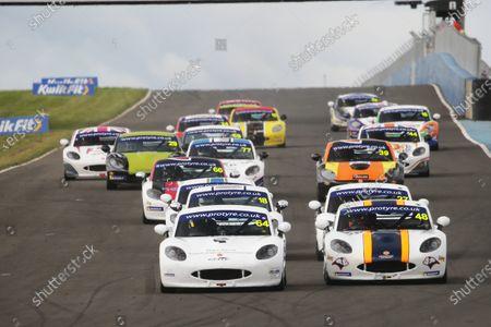GT5 Race Start James Taylor - Elite Motorsport Ginetta G40 Gordie Mutch - Fox Motorsport Ginetta G40
