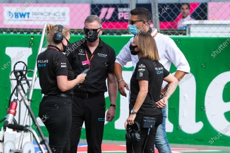 Claire Williams, Deputy Team Principal, Williams Racing, on the grid with team mates prior to the start