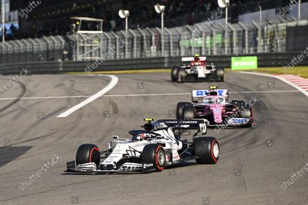 Pierre Gasly, AlphaTauri AT01 and Nico Hulkenberg, Racing Point RP20