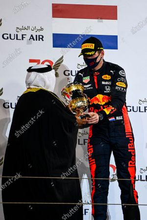 Sheikh Abdullah bin Hamad bin Isa Al Khalifa presents Max Verstappen, Red Bull Racing, 2nd position, with his trophy