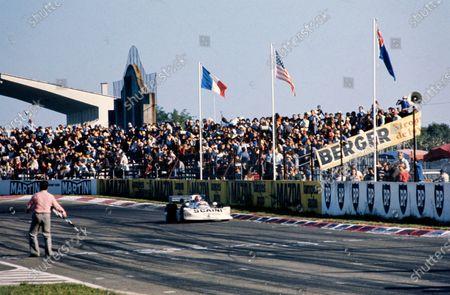 Maurizio Flammini, March 762 BMW, crosses the finish line.