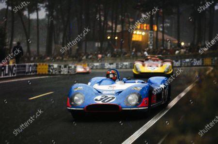 Patrick Depailler / Jean-Pierre Jabouille / Tim Schenken, Equipe Matra Simca, Matra-Simca MS650 - Matra MS12, leads Giovanni Galli / Rolf Stommelen, Autodelta SpA, Alfa Romeo T33/3.