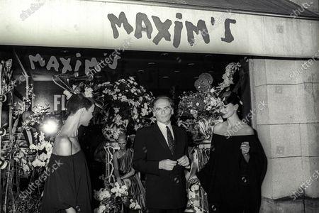 Pierre Cardin,chez Maxim's,1980