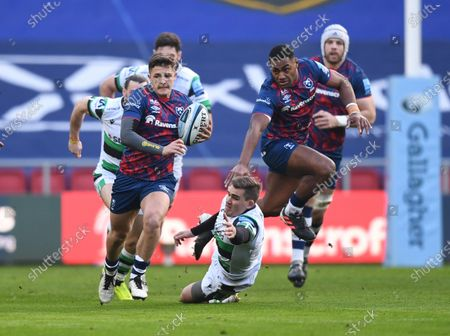 Callum Sheedy of Bristol Bears intercepts a pass under pressure from Toby Flood of Newcastle Falcons; Ashton Gate Stadium, Bristol, England; Premiership Rugby Union, Bristol Bears versus Newcastle Falcons.