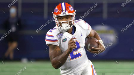 Florida quarterback Anthony Richardson (2) carries the ball against Oklahoma during the NCAA Cotton Bowl college football game Wednesday, Dec.30, 2020, in Arlington, Texas