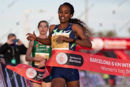 Kenian athlete Genzebe Dibaba wins the 5km international road race called 'Cursa dels Nassos' in Barcelona, Catalonia, Spain, 31 December 2020.