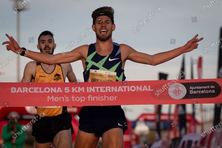 Stock Image of French athlete Jimmy Greesier wins the 5km international road race called 'Cursa dels Nassos' in Barcelona, Catalonia, Spain, 31 December 2020.