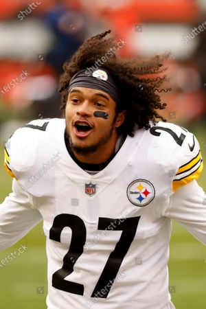 Pittsburgh Steelers linebacker Marcus Allen (27) warms up prior to the start of an NFL football game against the Cleveland Browns, in Cleveland