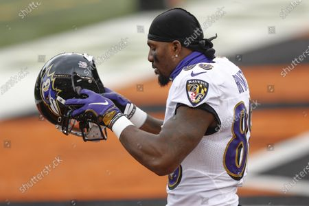 Baltimore Ravens wide receiver Dez Bryant (88) takes the field for an NFL football game Cincinnati Bengals, in Cincinnati