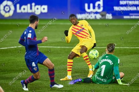 Ousmane Dembele of FC Barcelona and Alvaro Fernandez of SD Huesca