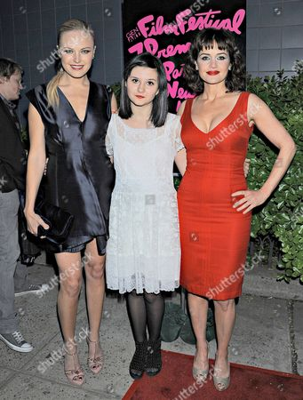 Stock Photo of Malin Akerman, Isabella Gutierrez and Carla Gugino