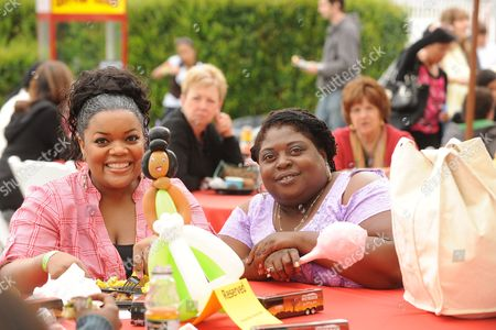 Stock Image of Yvette Nicole Brown and Sonya Eddy