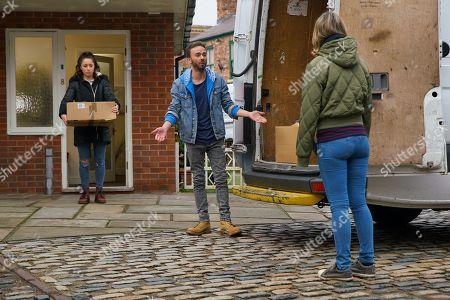 Coronation Street - Ep 10225 Monday 18th January 2021 - 1st Ep David Platt, as played by Jack P Shepherd, Shona Platt, as played by Julia Goulding, and Gail Rodwell, as played by Helen Worth, pack up the house, dreading their move.