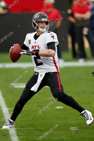Atlanta Falcons quarterback Matt Ryan (2) throws a pass against the Tampa Bay Buccaneers during an NFL football game, in Tampa, Fla. The Buccaneers won the game 44-27