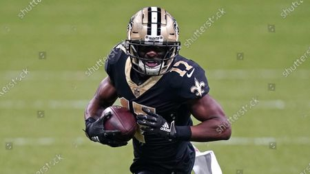 New Orleans Saints wide receiver Emmanuel Sanders (17) runs in the second half of an NFL football game against the Kansas City Chiefs in New Orleans