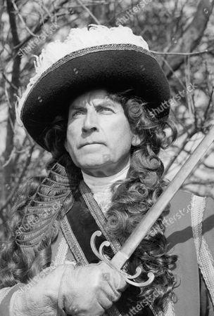 Jonathan Newth as Monmouth.