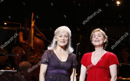 l-r: Louise Pitre (Ulrika), Helen Sjoholm (Kristina)