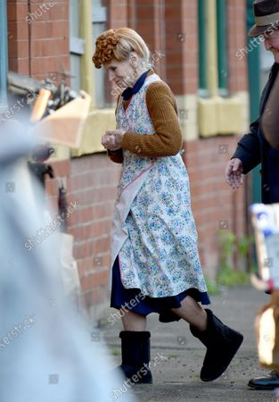Stock Photo of 59 years after filming A Taste of Honey Rita Tushingham returns to film on the terraced streets of Manchester in the 1960's BBC period drama Ridley Road.