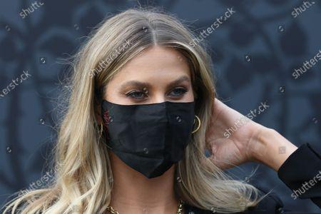 Stock Image of Natalie Roser wearing her face mask