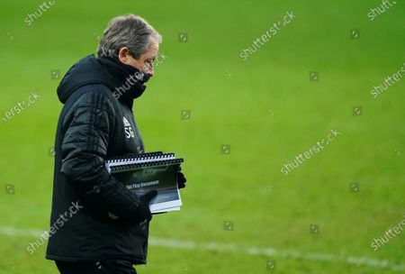 Fulham coach Stuart Gray