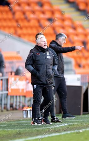 Sammy Lee of WBA shouts out instructions to the players; Bloomfield Road, Blackpool, Lancashire, England; English FA Cup Football, Blackpool versus West Bromwich Albion.