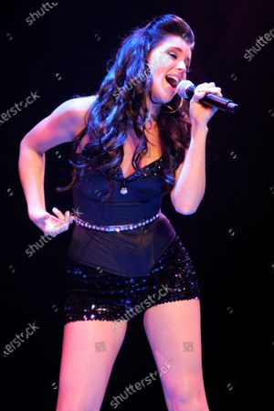 Jadyn Douglas (previously known as Jadyn Maria) performs during Macy's Glamorama held at the Chicago Theater in Chicago, IL. on August 21, 2009. Stok Resim