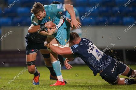 Tom Hill breaks through Sale defence during the Gallagher Premiership Rugby match between Sale Sharks and Worcester Warriors at the AJ Bell Stadium, Eccles