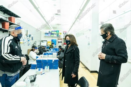 Lieutenant Governor Kathy Hochul visits COVID-19 Microtesting Site and thanks healthcare workers at 327 8th Avenue. On this image she speaks with healthcare worker and is joined by State Senator Brad Hoylman (1st on the right)