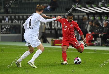 Christoph Kramer (Borussia Mönchengladbach), Douglas Costa (FC Bayern Muenchen)