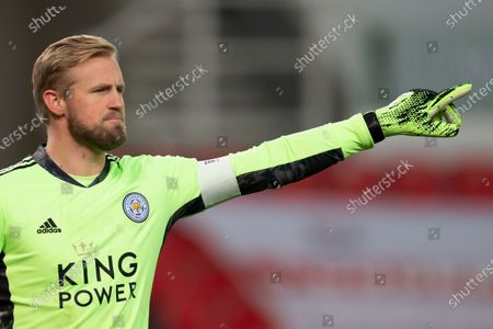 Leicester goalkeeper Kasper Schmeichel issues instructions to teammates