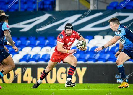 Cardiff Blues vs Scarlets. Scarlets' Leigh Halfpenny