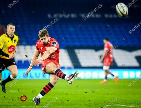 Cardiff Blues vs Scarlets. Scarlets' Leigh Halfpenny takes a kick