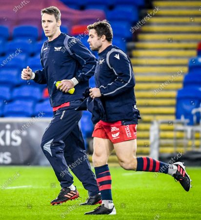 Cardiff Blues vs Scarlets. Scarlets' Leigh Halfpenny and Liam Williams during the warm-up