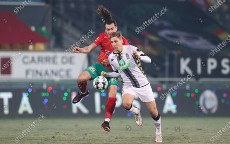 Charleroi's Lukasz Teodorczyk and Oostende's Arthur Theatre fight for the ball during a soccer match between KV Oostende and Sporting Charleroi, Saturday 09 January 2021 in Oostende, on the advanced day thirty of the 'Jupiler Pro League' first division of the Belgian championship.