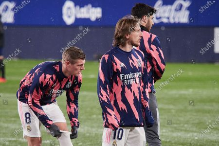 Luka Modric and Toni Kroos of Real Madrid  warms up before the spanish league, LaLiga, football match played between CA Osasuna v  Real Madrid CF at El Sadar Stadium on january 09, 2021 in Pamplona, Navarra, Spain.