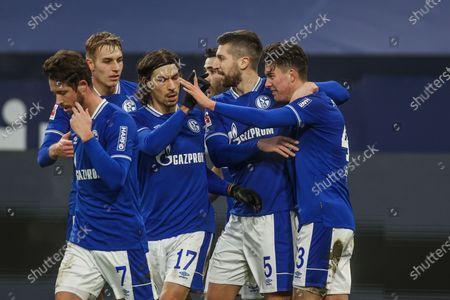 Mark Uth (FC Schalke 04), Matija Nastasic (FC Schalke 04), Matthew Hoppe (FC Schalke 04)