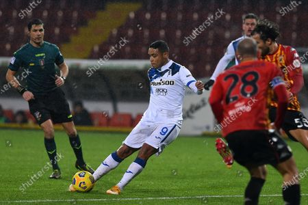Luis Muriel of Atalanta score his goal