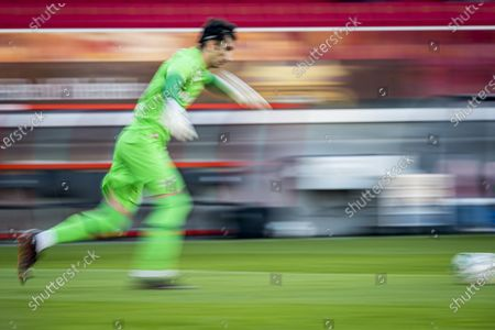 Antwerp's goalkeeper Alireza Beiranvand pictured in action during a soccer match between KV Mechelen and Royal Antwerp, Sunday 10 January 2021 in Mechelen, on the advanced day thirty of the 'Jupiler Pro League' first division of the Belgian championship.