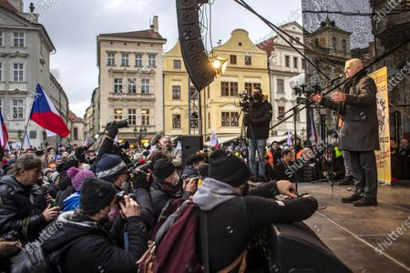 Media cover a speech of former Czech President Vaclav Klaus as he takes part in a protest at the Old Town Square Square in Prague, Czech Republic, 10 January 2021. According to police, around 2500 people protested against the Czech government's measures in connection with the COVID-19 pandemic caused by the SARS-CoV-2 coronavirus.