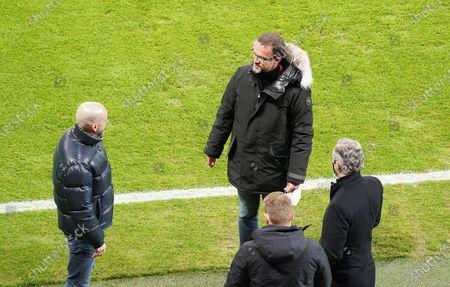 Fredi Bobic (Frankfurt) and Peter Bosz (Leverkusen)
