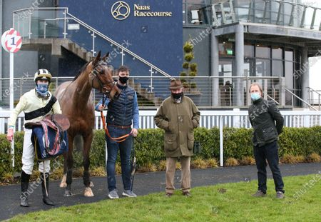 The INH Stallion Owners EBF Maiden Hurdle. Jockey Harry Swan, Dan Corbett, Timmy Hyde and Charlie Swan after winning with On Eagles Wings