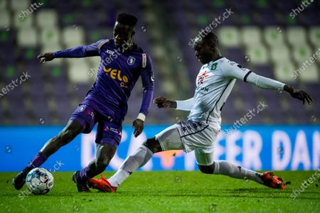 Beerschot's Abdoulie Sanyang and Cercle's Elimane Franck Kanoute fight for the ball during a soccer match between Beerschot VA and Cercle Brugge KSV, Wednesday 13 January 2021 in Antwerp, a postponed match of day 17 of the 'Jupiler Pro League' first division of the Belgian championship.