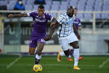 "Igor Julio dos Santos de Paulo (Fiorentina)Romelu Lukaku (Inter)                 during the Italian ""Serie A Tim Cup match between Fiorentina 1- 2 (d.t.s.) Inter  at  Artemio Franchi Stadium on January 13 , 2021 in Florence, Italy."