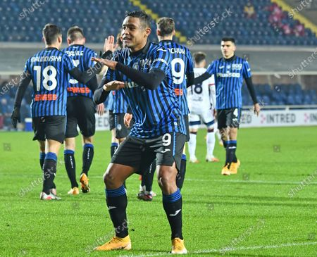 Atalanta's Luis Muriel jubilates after scoring the 2-1 lead during the Italian Cup round of sixteen soccer match between Atalanta BC and Cagliari at the Gewiss Stadium in Bergamo, Italy, 14 January 2021.