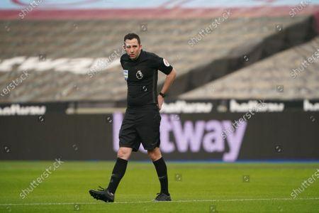 Referee Chris Kavanagh