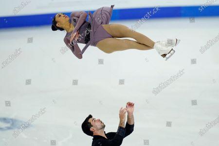 Jessica Calalang and Brian Johnson perform during the pairs short program at the U.S. Figure Skating Championships, in Las Vegas