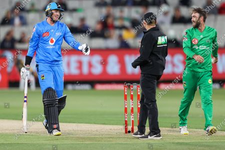Matt Renshaw of the Adelaide Strikers (left) shares a joke with Glenn Maxwell of the Melbourne Stars during the Melbourne Stars vs Adelaide Strikers T20 Big Bash league match at Melbourne Cricket Ground, Melbourne