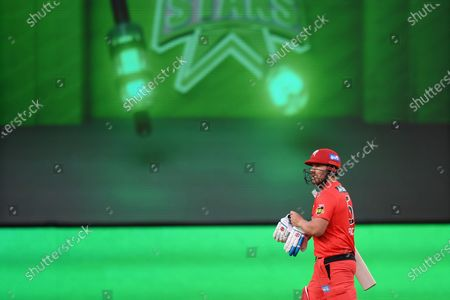Aaron Finch of the Renegades leaves the field after going out for a duck; Melbourne Cricket Ground, Melbourne, Victoria, Australia; Big Bash League Cricket, Melbourne Stars versus Melbourne Renegades.
