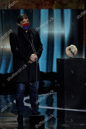 """Hovik Keuchkerian receives the Best Male Performance Award in a TV Series for his work in """"Antidisturbios"""" during the Forque Awards Ceremony at Ifema Pavillion in Madrid, Spain, 16 January 2021."""